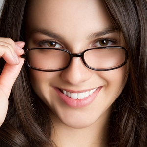 Beauty tips to make your eyes pop out from behind your glasses