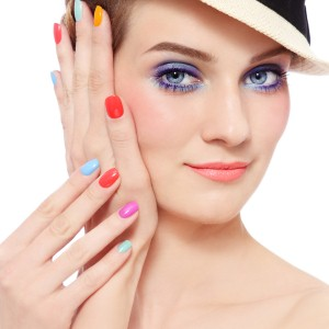 Creative tips to cover chipped nail polish