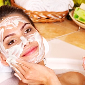 How to get a spa facial mask at home