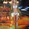 Looks-from-the-2014-Victorias-Secret-Fashion-Show_360_40017506_1_14110369_100.jpg