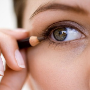 Reducing the appearance of eye wrinkles