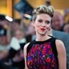 Scarlett-Johansson-knows-how-to-rock-her-undercut_360_40070484_1_14117179_100.jpg