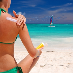Sunscreen: Your best defense against wrinkles?