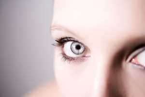 Use anti aging skin cream for the eyes to fight the signs of aging