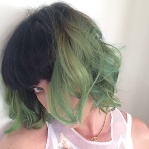 Tips for adding crazy colors to your coif